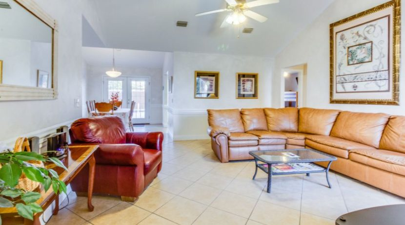 Gulf View - Family Room 1