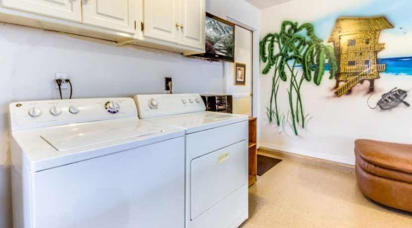 Gulf View - Laundry Area